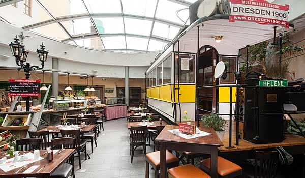Der Postplatz um 1900 in unserem Restaurant für Feiern und Events in Dresden